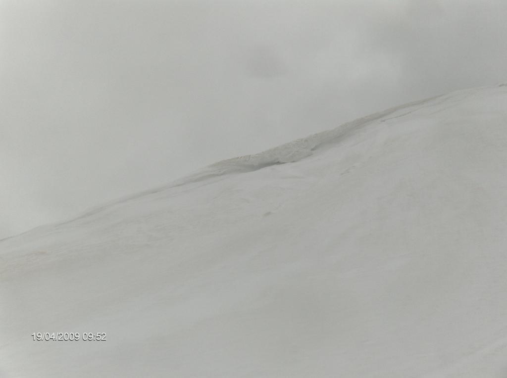 al-rifugio-con-la-neve-19apr2009-036
