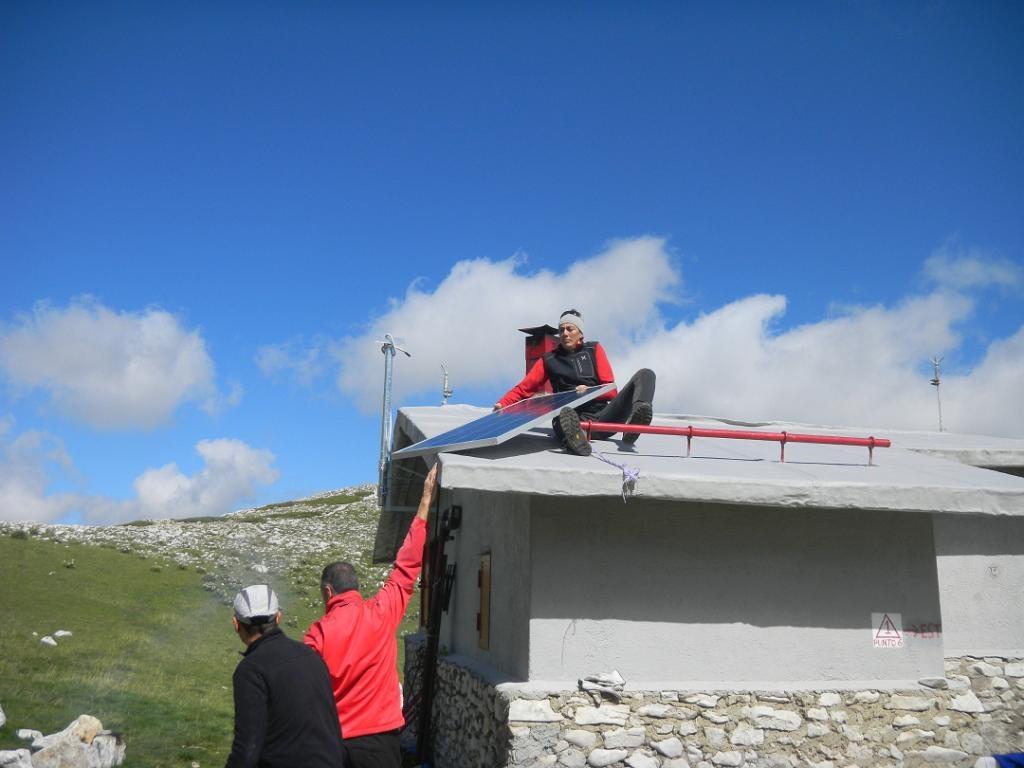 Pannello-fotovoltaico-sul-Rifugio-021
